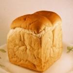 食パンは冷凍保存できる?保存期間や解凍方法のハウツー