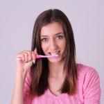 歯を白くする方法は日頃からの予防がお金をかけない秘訣!